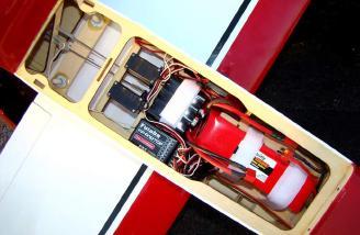 Futaba 72 MHz FM receiver installation