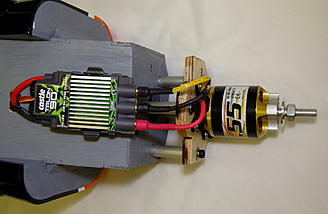 <b>Motor and ESC installation - very sleek</b>