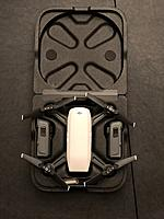 Name: IMG_0751.jpg Views: 18 Size: 1.26 MB Description: Case, what fits inside: DJI Spark, 2 batteries, extra propellers