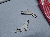 Name: M1390004.jpg Views: 634 Size: 176.8 KB Description: Install the EZ connectors on the aileron horns.