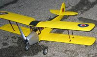 Name: s hanger_001.jpg Views: 202 Size: 89.9 KB Description: Tiger Moth 400, note the wheels and painted cowl/propellor.