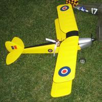 Name: s hanger_005.jpg Views: 216 Size: 169.0 KB Description: Tiger Moth 400, note pilot and silk scarf! Heh, heh!