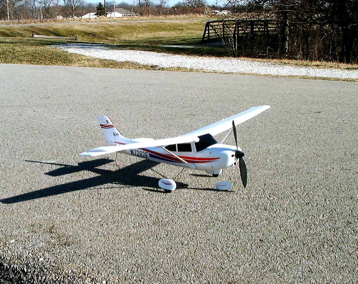 Name: to1.jpg Views: 897 Size: 442.5 KB Description: Does this little plane look ready to fly or what?