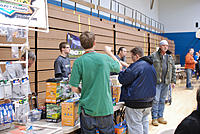 Name: npmac2013funfly-68.jpg Views: 38 Size: 277.4 KB Description: Dr.V was talking up the vendors. Hobby Hut was off to the right but they had to leave early.