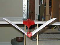 Name: IMG_2544.jpg Views: 286 Size: 82.0 KB Description: V-tail elevator w/single servo ailerons