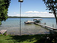 Name: 000_0109.jpg Views: 142 Size: 124.5 KB Description: Don't hit the Purple Martin House and we have Tree Swallows nesting in it this year. Float Plane dock is on the left.