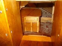 Name: SANY1301.jpg Views: 260 Size: 28.3 KB Description: looking below.need doors