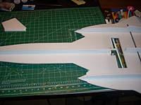 Name: JTechLaser SR-71 build pics 007.jpg Views: 1474 Size: 72.3 KB Description: Forward lower fuse section glued on.