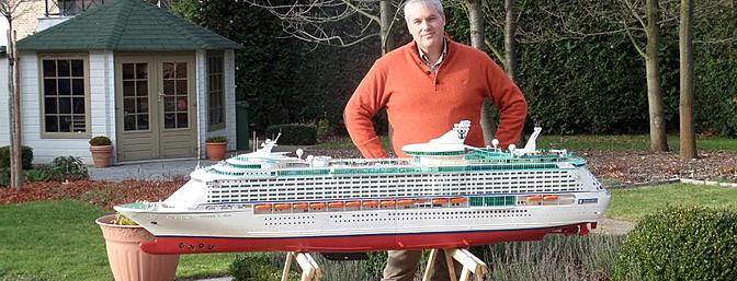 News RC Cruise Ship - Voyager of the Seas - RC Groups