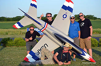 I had a great time hanging with the Flite Test crew at Eli Field this week. What a great bunch of guys! I'm looking forward to future events, dinners and laughs! A big thanks to Ali Machinchy for letting me pilot his jet!!