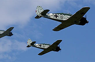 The FW includes electric retracts which are light, strong and convenient. They have the correct scale extension angle for the perfect Focke-Wulf look.