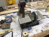 Name: 47E51697-9430-4FED-850D-0B34EEAF8F3C.jpeg Views: 6 Size: 969.9 KB Description: Another tool, a small belt/disk sander