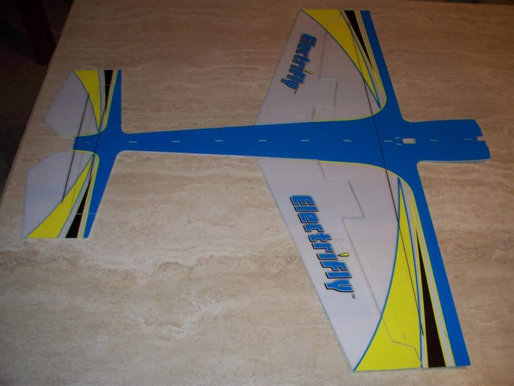 Name: edge 540 center fuselage.jpg Views: 550 Size: 54.5 KB Description: