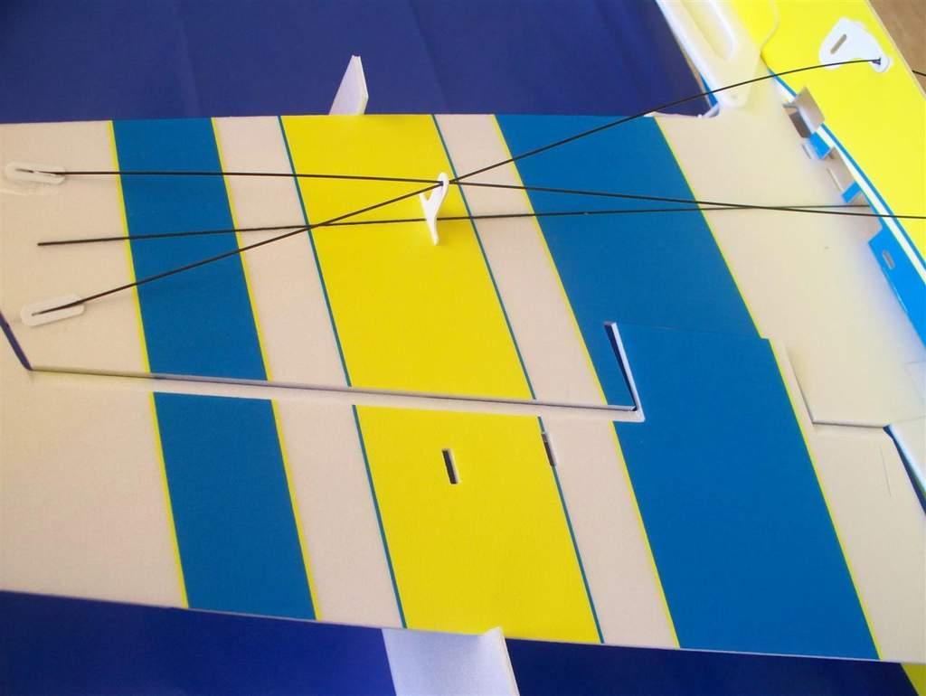 Name: edge 540 wing trusses.jpg Views: 623 Size: 45.8 KB Description: