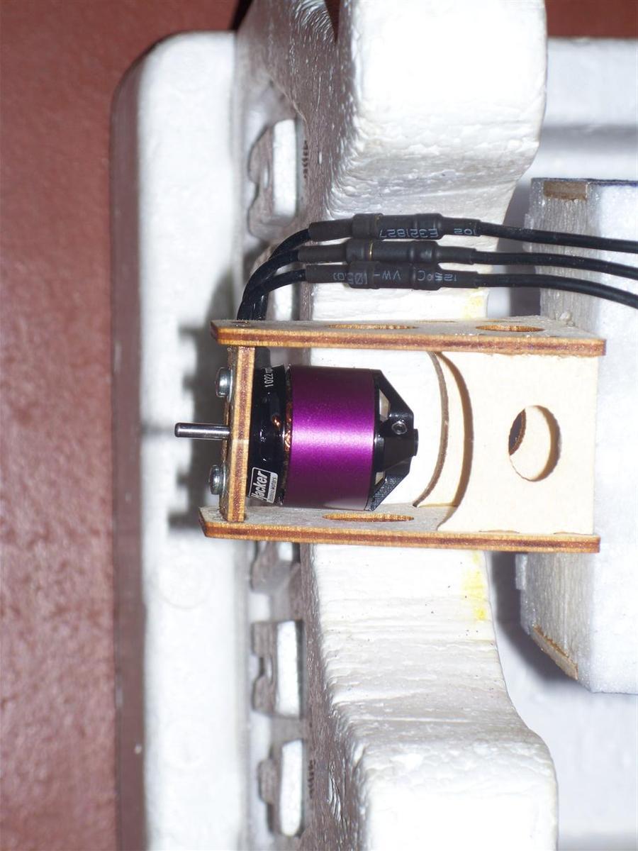 Name: sbach motor installed.jpg Views: 453 Size: 100.3 KB Description: