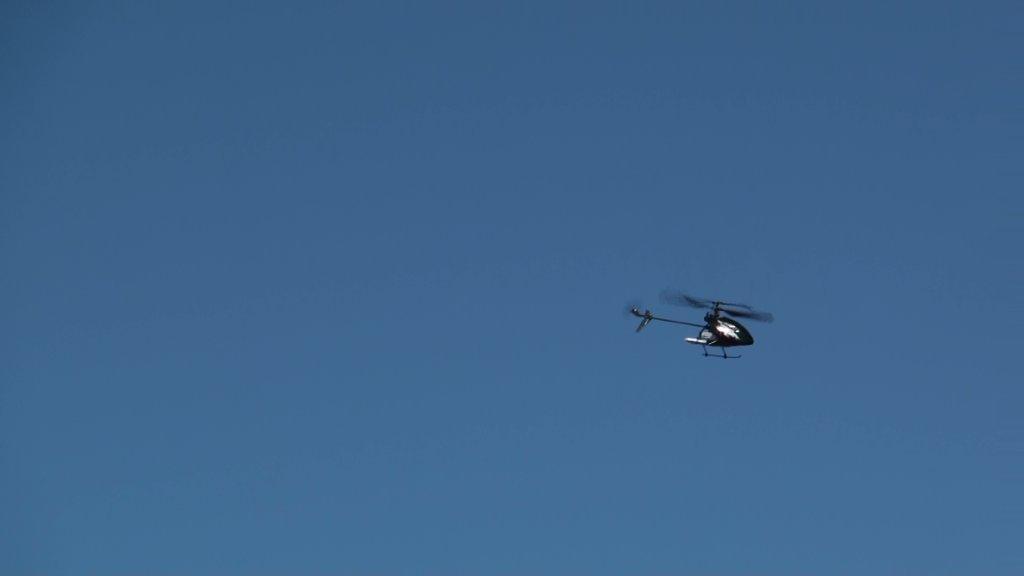 Name: hzone fly2.jpg Views: 372 Size: 12.9 KB Description: