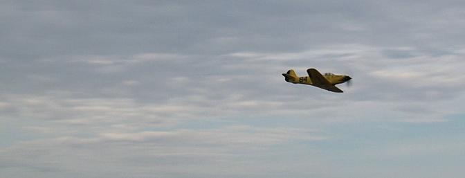 We now take you to the final lap of the 1946 Thompson Trophy air race...