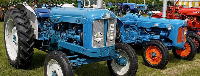 A pair of Fordson tractors, a Super Major (left) and a Dexta, are shown here at at the Stoke Goldington Rally, Northamptonshire, England. It's easy to see where WLtoys got their inspiration for the P949's grille design.  (Photo:  Wikimedia Commons)