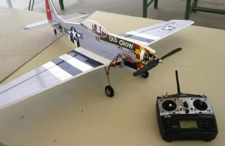 The P-51 poses with the SD-6G prior to their maiden flight.  (Photo:  Ken Alan)