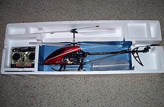 Here's the model with the red canopy used in the review shipped less its display box.