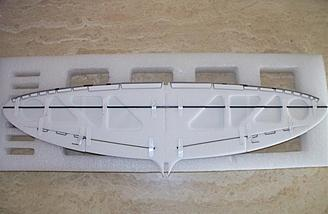Here's the wing prior to its final skinning with the ailerons and spar in place.