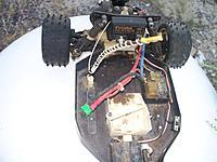 Name: rc10 team dirt in pan.jpg Views: 57 Size: 99.6 KB Description: Mousies did a doo-doo.