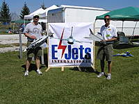 Name: P9100002.jpg Views: 265 Size: 137.6 KB Description: Me, on left, with E Do Model F-4E and Don Belfort with scratchbuilt skyray.