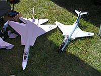 Name: P9100008.jpg Views: 231 Size: 137.4 KB Description: Sgt. Dudley's Green Air Designs F-101 Voodoo and A-5 Vigilante
