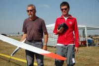 Name: DSC_00152006-08-25_08-36-54.jpg Views: 577 Size: 87.8 KB Description: Hughes (Belgium) with father