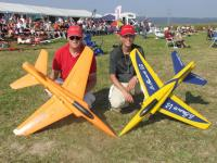 Name: Jurgen and Martin fantastic jets_edited-1.jpg Views: 850 Size: 147.4 KB Description: Jürgen and martin with 90mm Bandito Mk3 90mm retracts flaps, full house.
