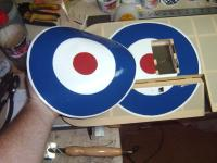 Name: Makeing Roundels 001.jpg Views: 230 Size: 96.5 KB Description: Once there on you can then cut all your ailerons and hatches out