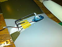 Name: DSC00557.jpg Views: 121 Size: 56.9 KB Description: Aileron servo in place and connected