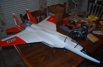 The wings are on, and it is nearly ready to go! I was amazed at how short the wing panels were!
