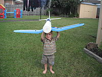 Name: DSCF4467.jpg Views: 100 Size: 306.5 KB Description: Daddys little helper.