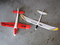 Name: IMG_0551.JPG Views: 94 Size: 447.7 KB Description: The two parasite gliders.
